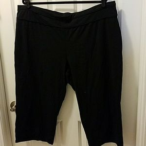 NWT Black capri leggings